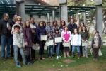 Voluntarios con su diploma