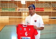 Raúl Muñoz con la camiseta del CMA