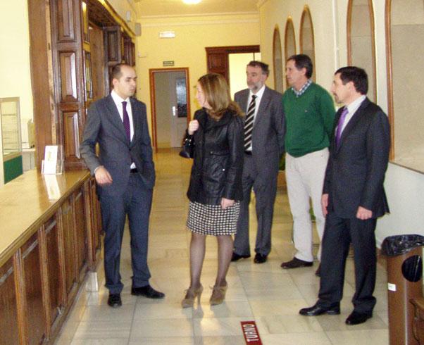 Heredia visita la Delegación de Hacienda