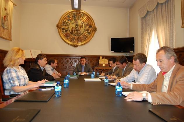 Reunión de Diputación y Álamo