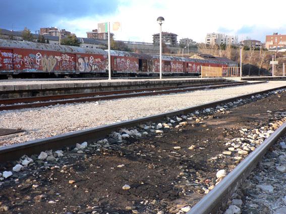 Vías de tren en la estación de Soria