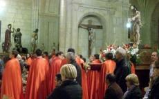 El Viacrucis se hizo en el templo