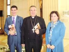 Mons Melgar con los delegados