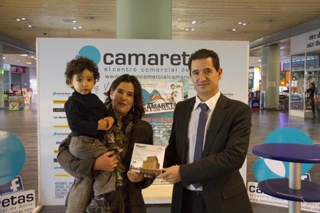 La ganadora con Félix Sánz