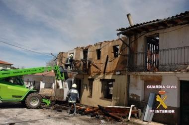Aspecto de las viviendas incendiadas