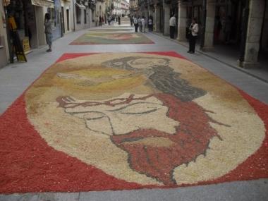 Una de las alfombras de flores