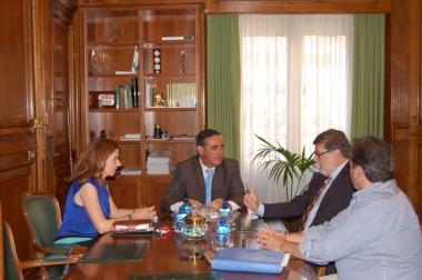 Reunión con representantes de Foes
