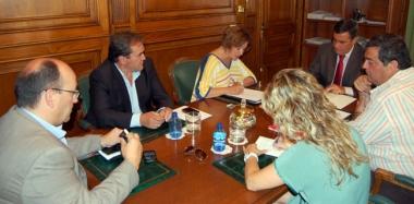 Reunión Diputación-Cámara