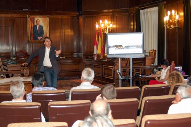 Martinez con el consejo sectorial de urbanismo