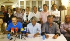 Comité y alcaldes en la rueda de prensa