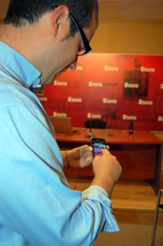 Hernández muestra la aplicación