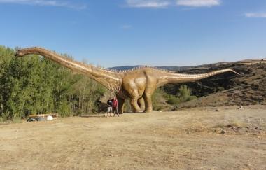 Nuevo dinosaurio en Fuentes de Magaña