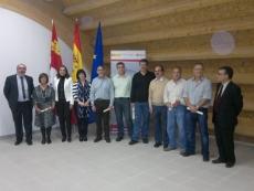 Trabajadores del CEDER con sus diplomas