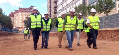 El alcalde visitando las obras