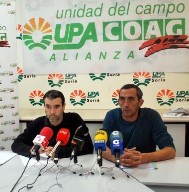 Jesús García (izda.) de COAG y Raúl Ramírez de UPA en rueda de prensa