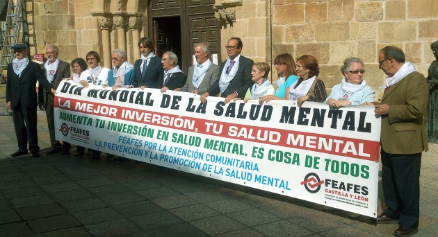 Autoridades y organizadores en la concentración en Soria