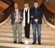 Quintas (izda.), director de la JOSS; García,productora; y Andrey Baturin, compositor