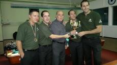 Billaritas sorianos recogiendo su trofeo