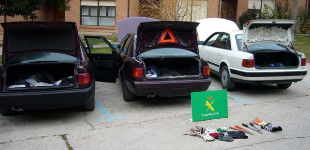 Vehículos y enseres confiscados