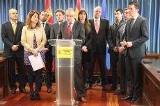 Ramiro Ruíz con la directiva de AJE