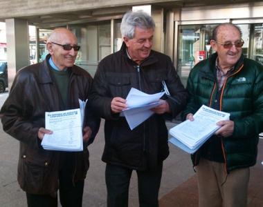 Representantes de Soria YA con las firmas