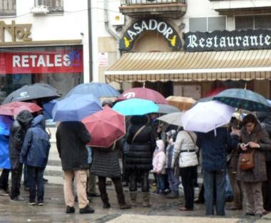 Grupo de turistas en la calle