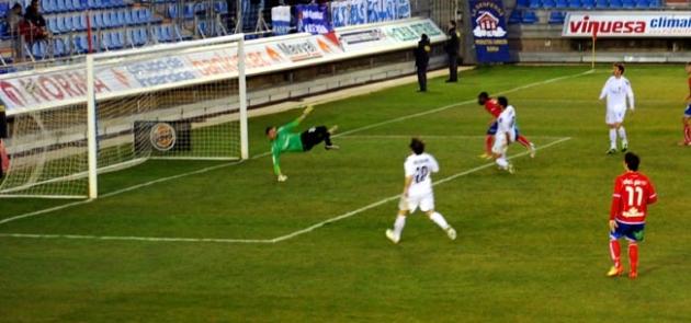 Cedrick marcando al Xerez