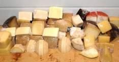 Diversos quesos nacionales