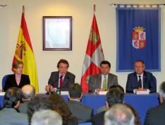 Santiago-Juárez con los delegados de la Comunidad