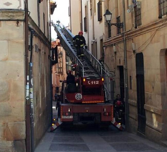 Bomberos en la Calle Real