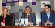 Pérez, Pardo y Cabezón, en la lectura del manifiesto del bicentenario
