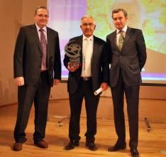 Benito, con su galardón de 2012