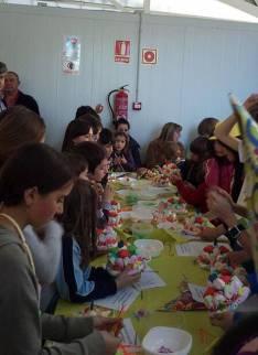 Los niños disfrutando del taller