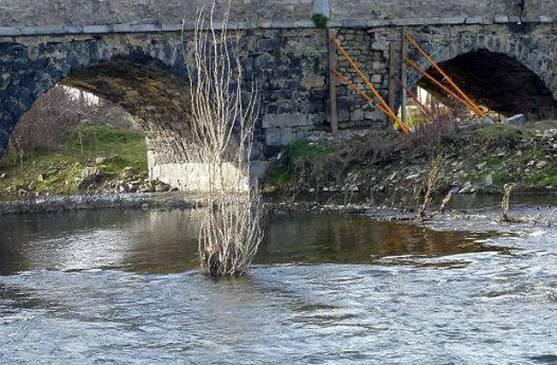 Detalle del apuntalamiento del puente