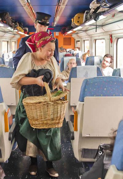 El tren recrea el ambiente de la época