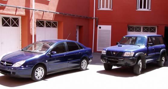 Los dos vehículos enajenados.