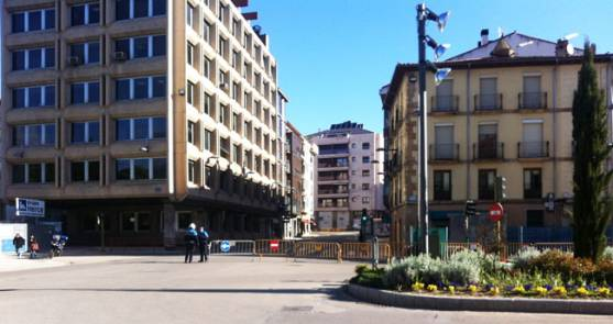 La calle Ferial se ha cortado