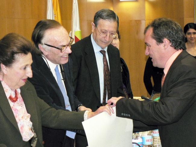 Ángel Antonio Ruiz recoge el galardón