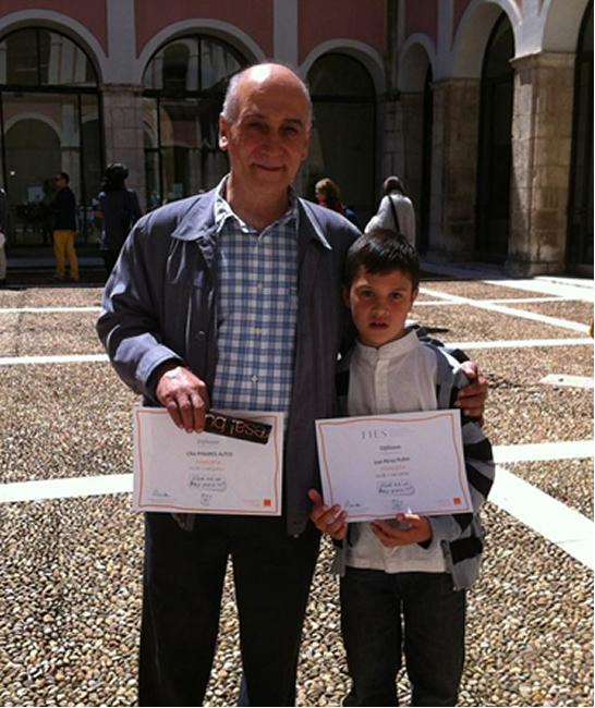 Joel Rubio con su tutor