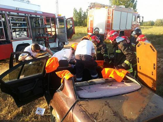 Tareas de excarcelación en el accidente.