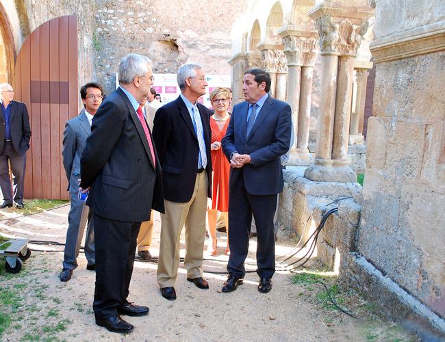 Sáez, (dcha.), con Santos (ctro.) y Girbés.