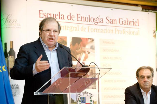Herrera ensalza el valor de la transparencia política y el papel de los medios de comunicación para hacerla efectiva