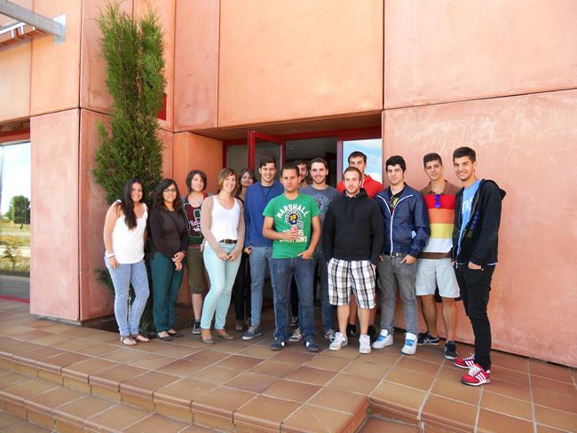 Los estudiantes en las instalaciones de Lubia