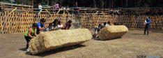 El mediodía visontino ha lucido con la asistencia de centenares de personas que se han acercado hasta el paraje del Regajo para disfrutar de un variado mercadillo en el que se ponían a la venta diversos productos, desde artículos para el ganado hasta los