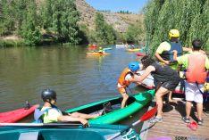 Foto 4 - El Duero se tiñe de colores con el descenso de canoas desde Garray