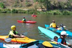 Foto 3 - El Duero se tiñe de colores con el descenso de canoas desde Garray