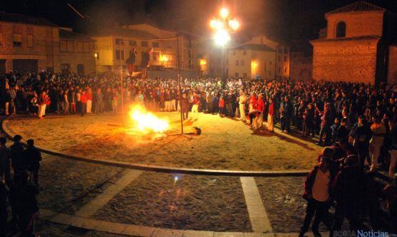 """Ágreda quema sus """"diablillos"""" y espanta los malos espíritus víspera de San Miguel"""