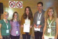 Jara Valtueña Santamaría con su premio