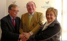 Pedro Navalpotro, en el centro, con José Mª Lara y Pilar García