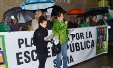 Foto 4 - Más de 2.000 personas rechazan la LOMCE y los recortes bajo un intenso aguacero